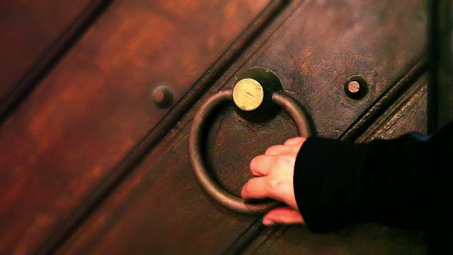 The ruling in knocking doors of other people's