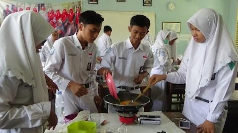 Pembelajaran Prakarya Olahan Makanan SMAN 1 Bojonegoro 2018