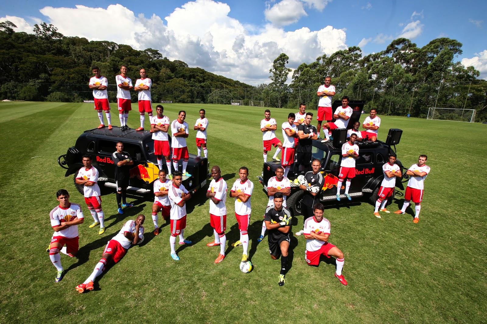 Red Bull Brasil inova e promove seletiva de futebol dentro da comunidade da  Rocinha 52e20a93ce5