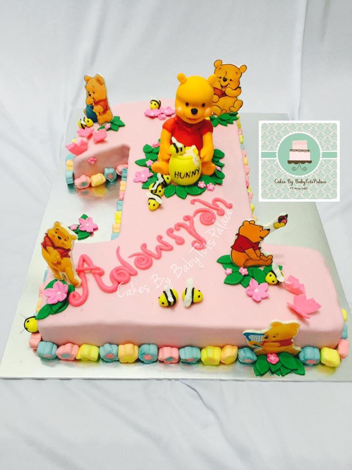 Fondant Winnie The Pooh Cake