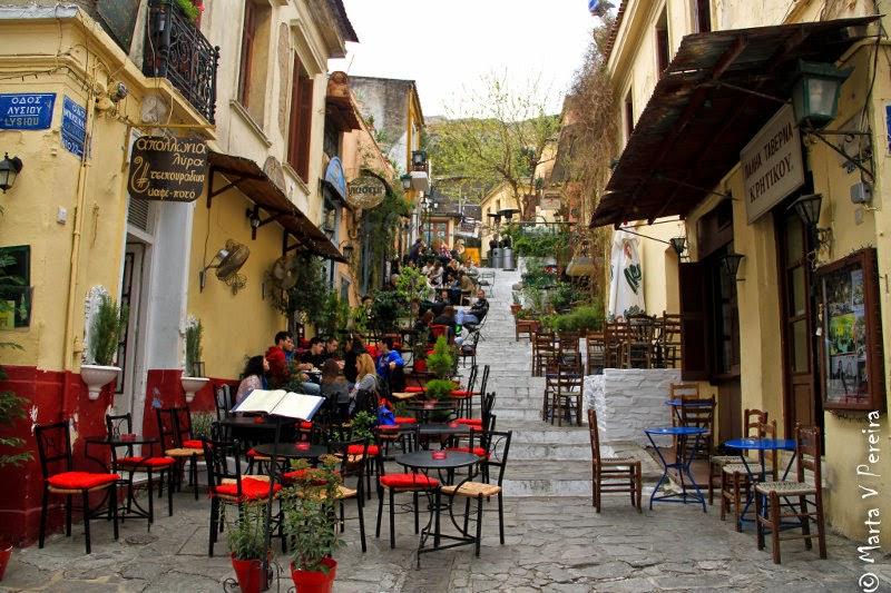 Tabernas en el barrio de Plaka