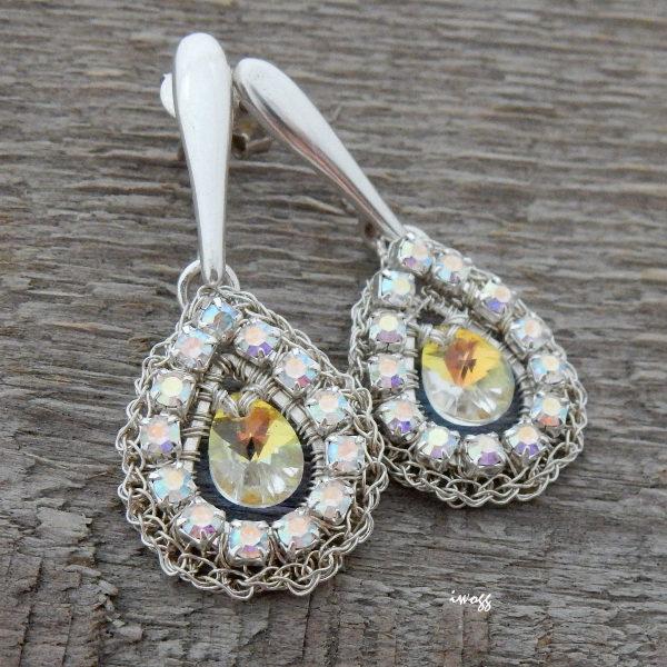 Ślubne kolczyki z cyrkoniowymi kryształkami