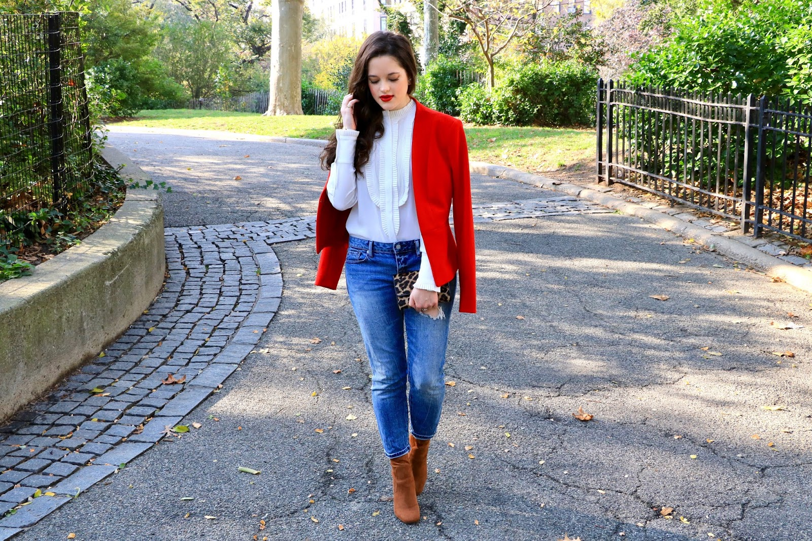red blazer fashion blogger