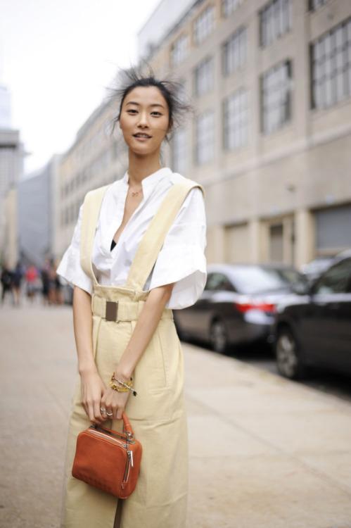 Street Style: Ji Hye Park in Neutral Tones
