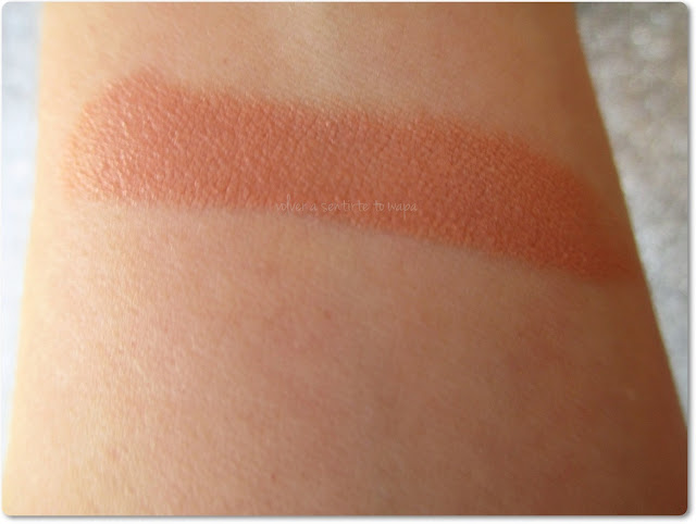Labial Naked Intense de Lola Make Up - Swatch