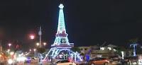 iluminada la replica Torre Eiffel en Santo Domingo