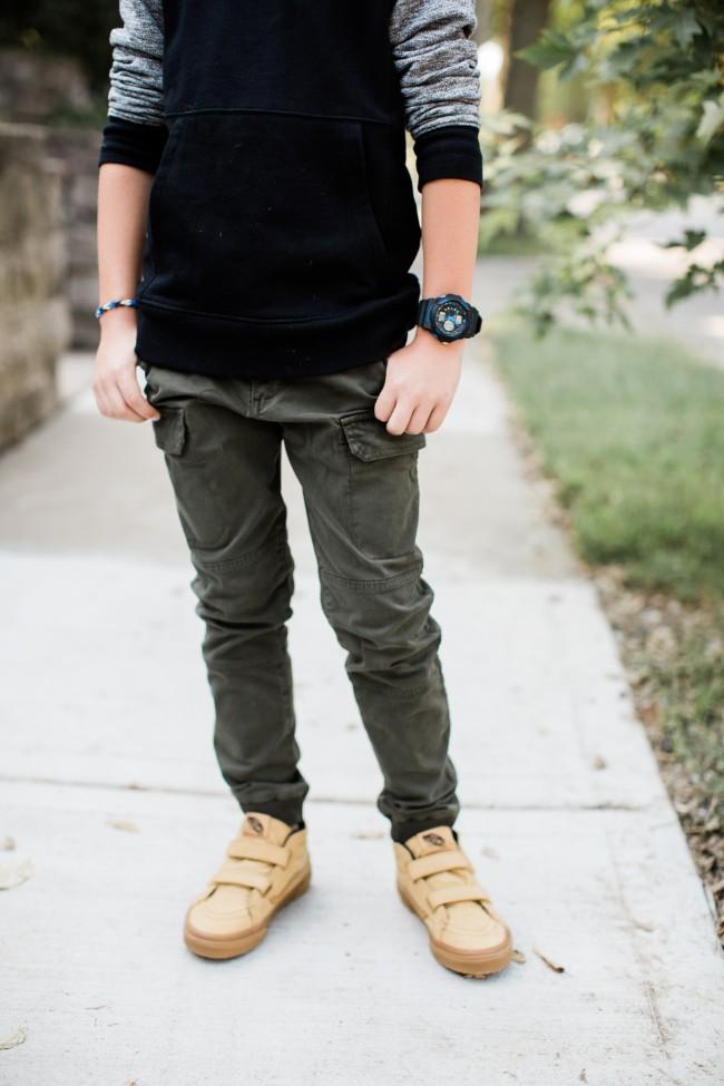 Boys van sneakers