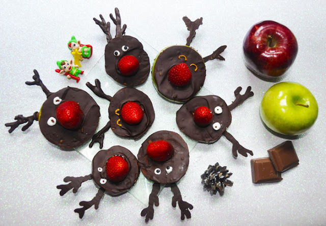 manzanas, fresas y chocolate