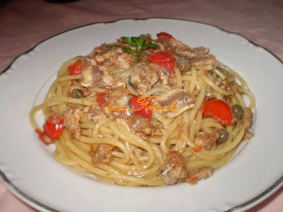 Špageti u umaku sa svježim srdelama