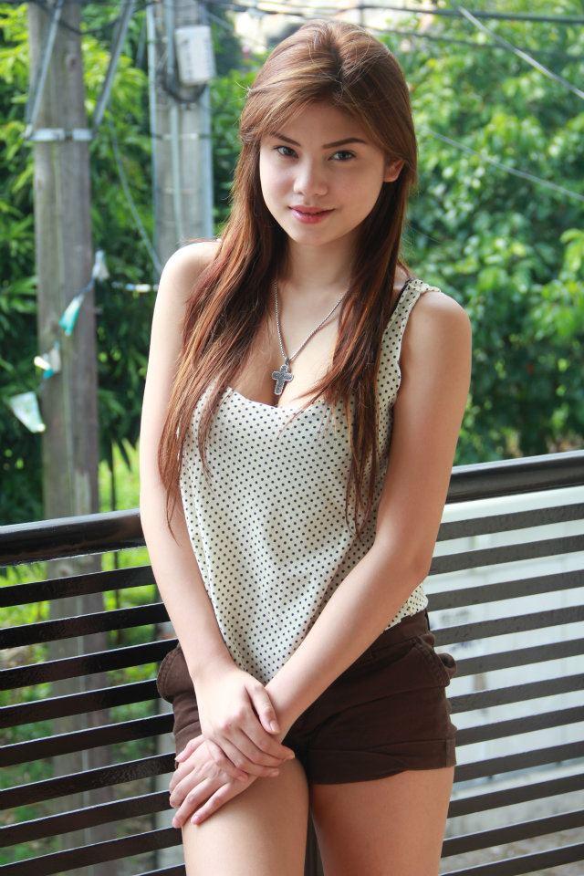 The Iskandaloso Group - Filipina Beauties: Anash Asia Gomez