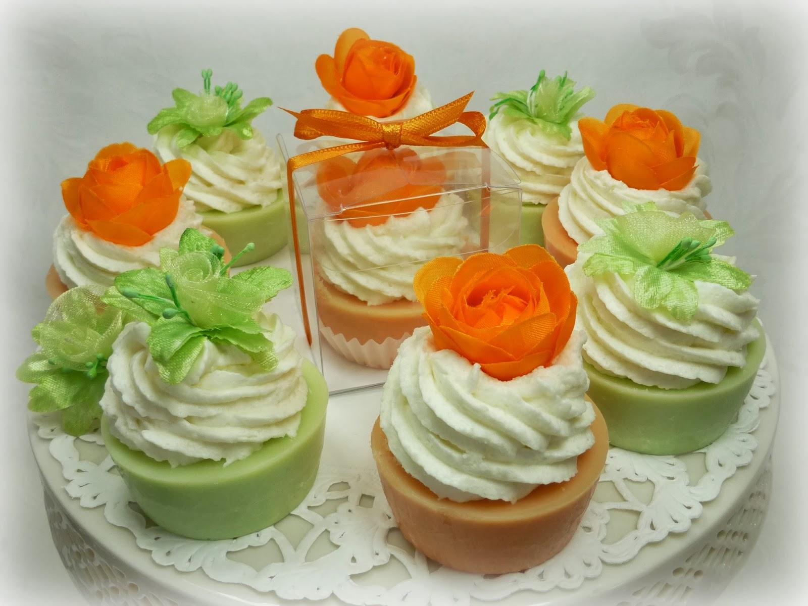 http://www.delicious-soaps.de/badekosmetik/badeconfiserie/index.php