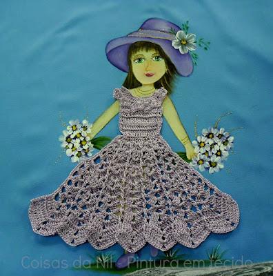 pano de oxford com pintura de boneca com vestido de croche