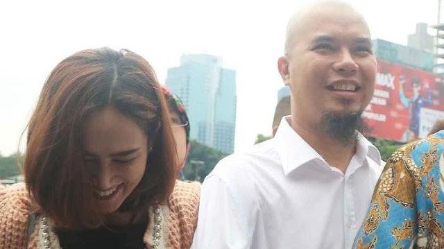 Ahmad Dhani Ditangkap, Mulan Jameela Malah Sibuk Sibuk 'Make Up