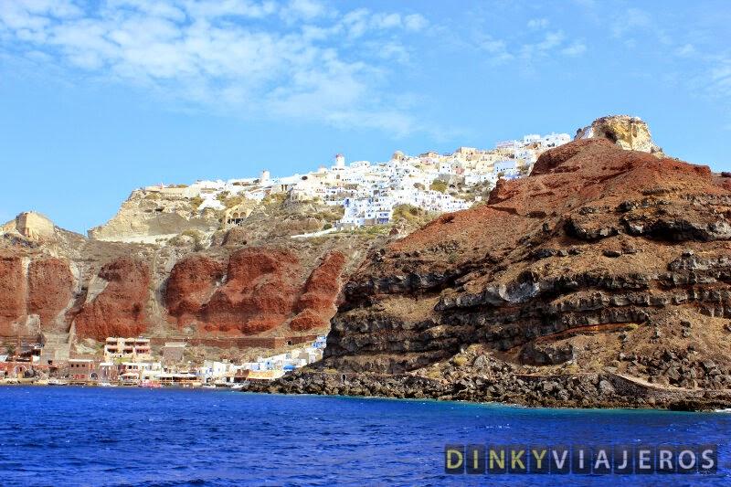 Vistas de Oia desde el Mar Egeo