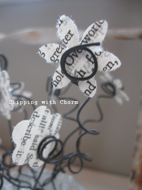 Chipping with Charm:  Flower frog photo Holders...http://chippingwithcharm.blogspot.com/