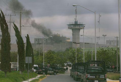 Fotografías 12 reos muertos en penal de Cadereyta tras motín