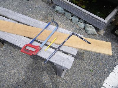 杉板を切る