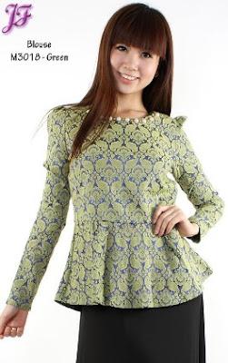 model terbaru baju batik simple elegan modis