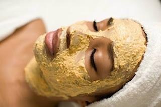 masker wajah malam hari alami