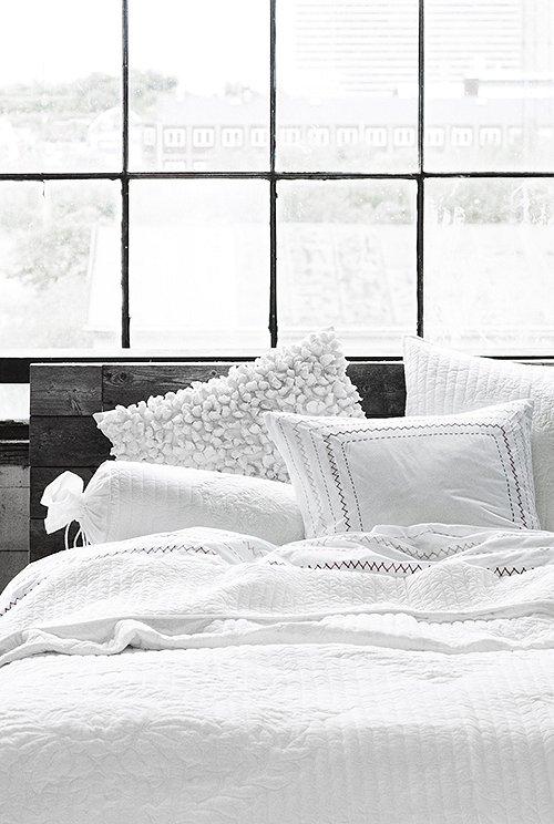 vosgesparis sunday morning coffee in bed. Black Bedroom Furniture Sets. Home Design Ideas