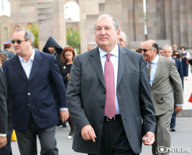 Sarkisian nombró a Armen Sarkisian como sucesor a la presidencia