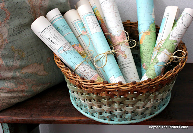 Easy DIY ombre technique to Update a Thrift Store Basket with Paint for Spring