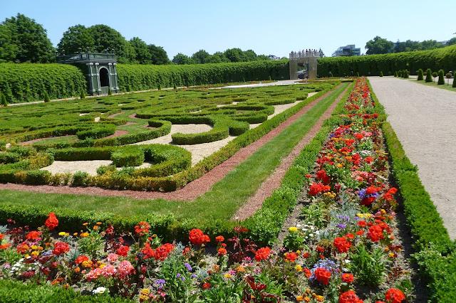 Ogród następcy tronu w pałacu Schonbrunn w Wiedniu