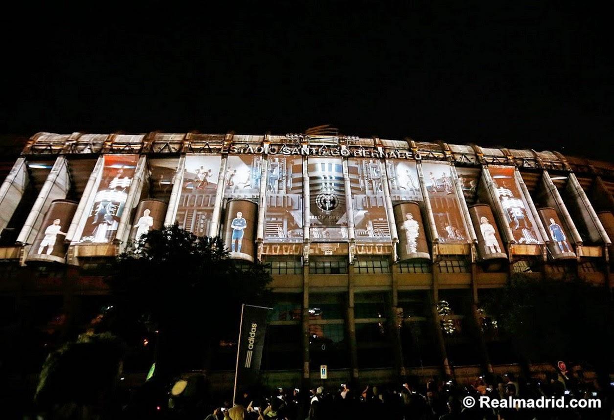 Adidas presentó las nueva camisetas del Real Madrid para la temporada 2014  2015 en la puerta del estadio Santiago Bernabéu 1c4294ee7085a