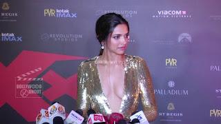 Deepika Padukone Promoting   Return of Xander Cage in India in Golde Gown 51 .xyz.jpg