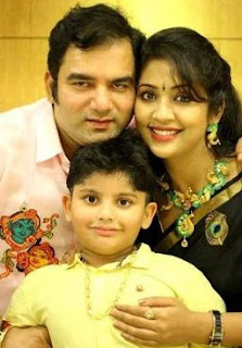 Navya Nair (Dhanya Veena) Family Husband Parents children's Marriage Photos