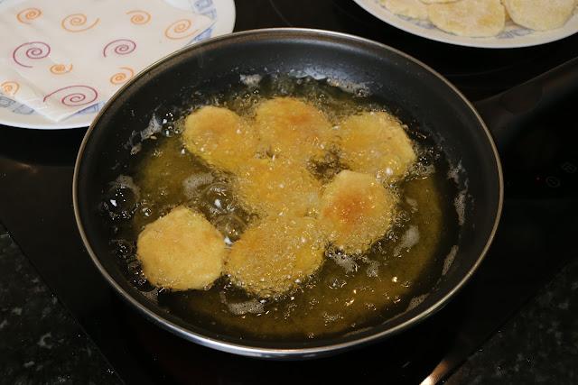 Preparación de patatas a la importancia