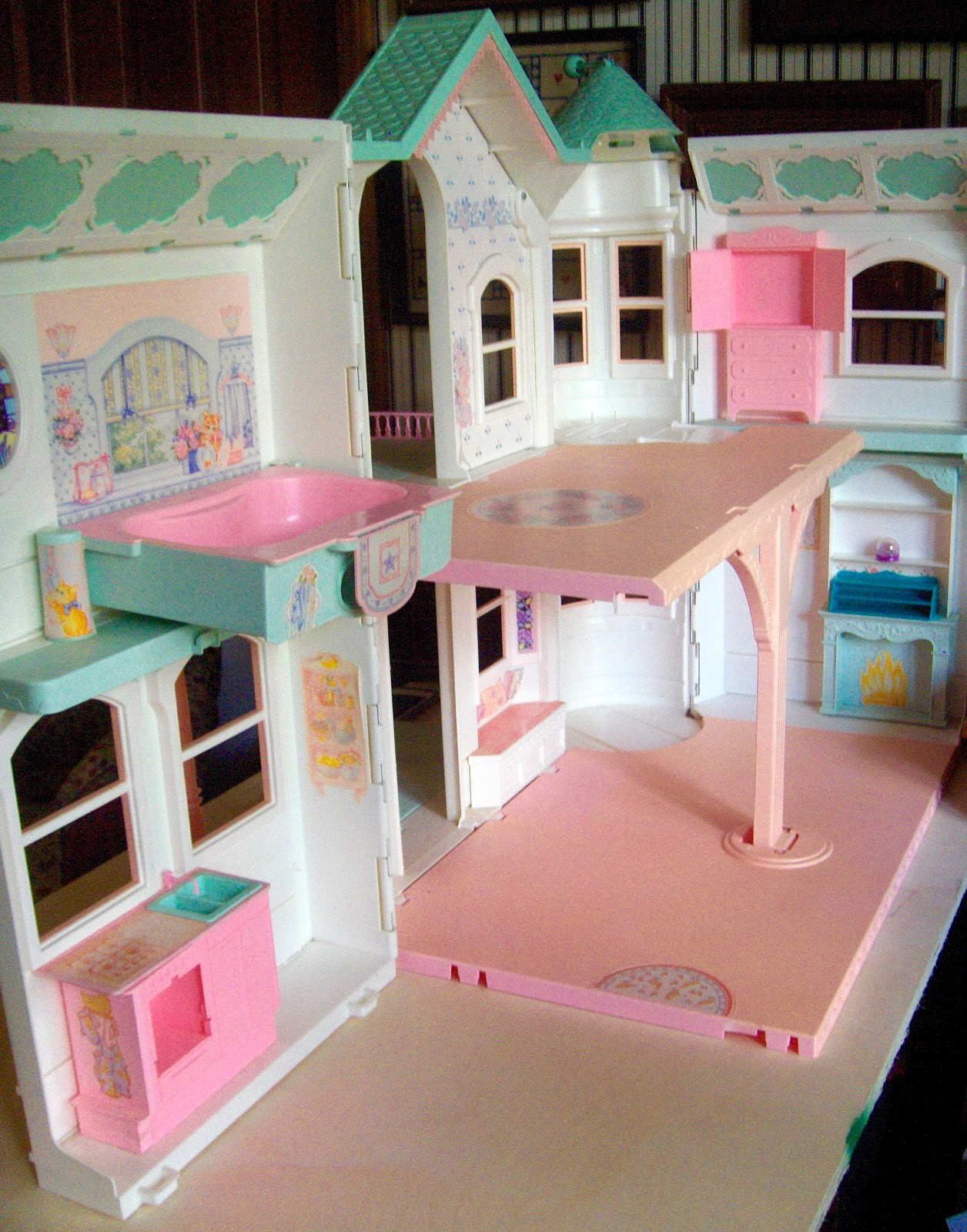 Turquoise Barbie House: Somethings Old, New, Green, Redo!: Barbie Vintage House REDO