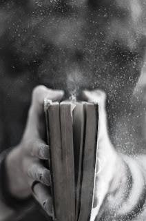 Libro con polvo