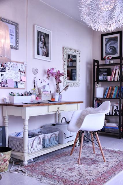 Decoração home office romântico e shabby chic da blogueira. Blog Achados de Decoração