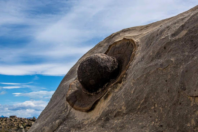 Marine sedimentary concretions known as the sombrero rocks.