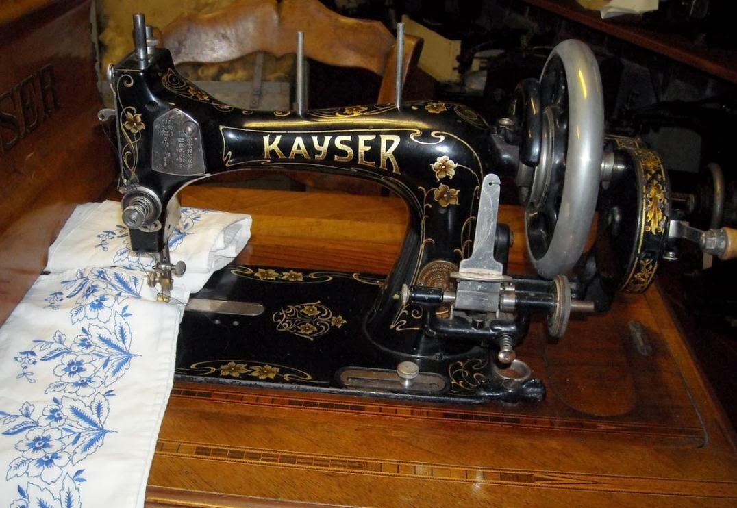 Machine A Coudre Ancienne le blog de callisto: une très belle kayser et l'histoire