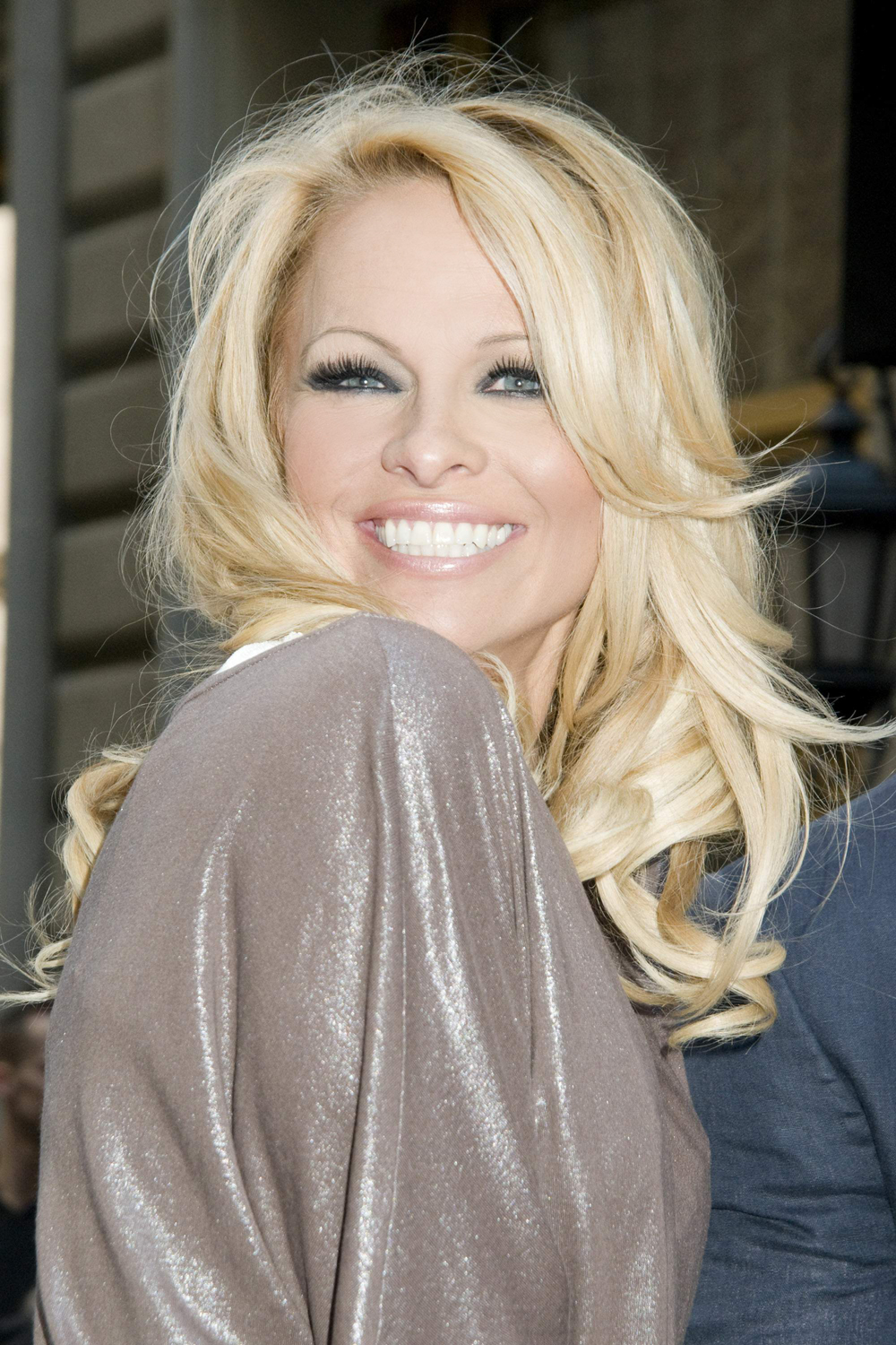 Indian Girl Beautiful Wallpaper Hollywood All Stars Pamela Anderson Pictures Profile And