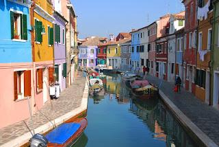 من جزر البندقية مورانو مكون اسمها من 6 حروف