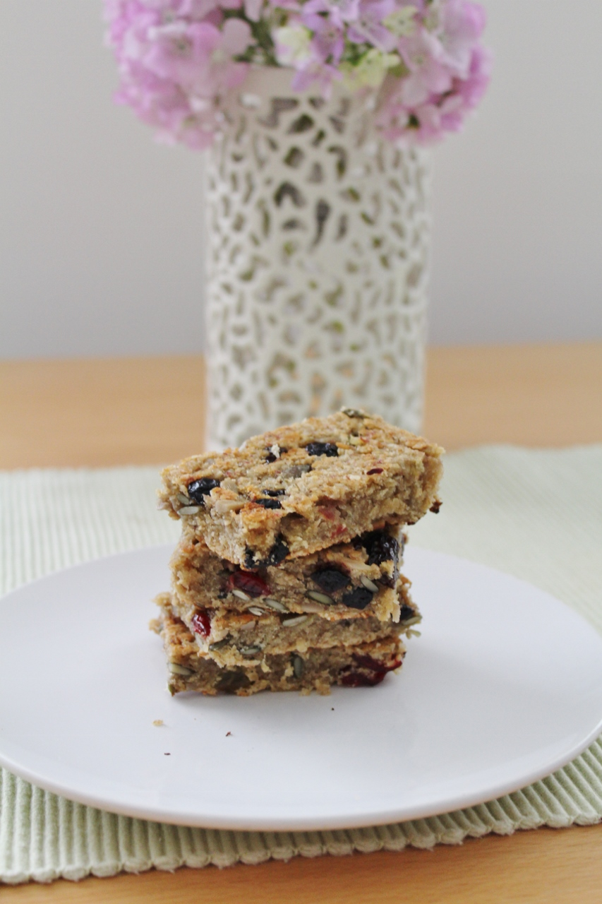 Fruity banana flapjacks