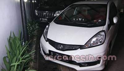 Mobil Vitalia Shesya Ahmad Fathanan