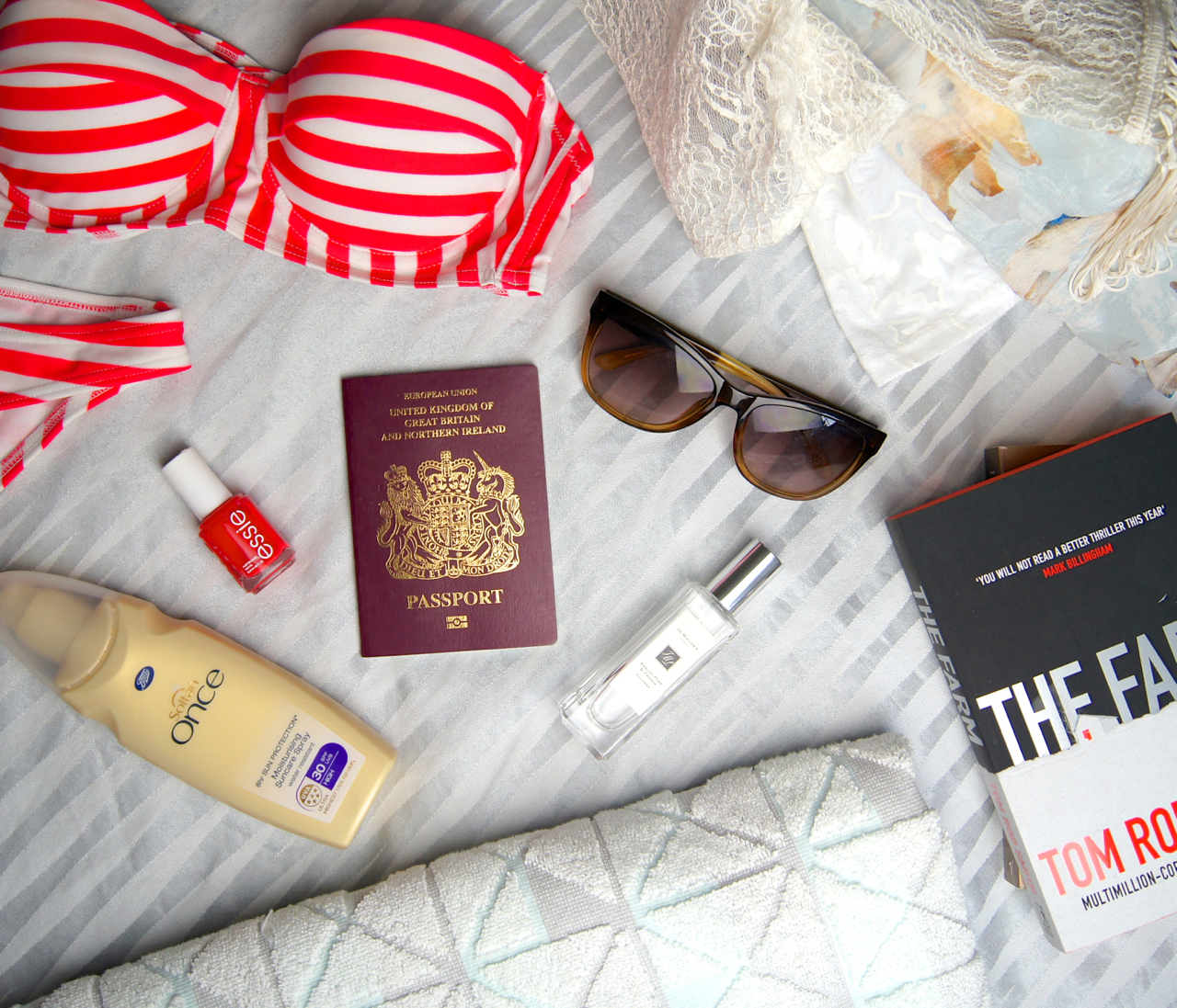 top tips for packing light when travelling