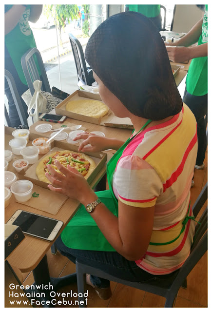 SuperCebu Blogger, Guada Cuizon For Make Your Own Hawaiian Pizza at Greenwich