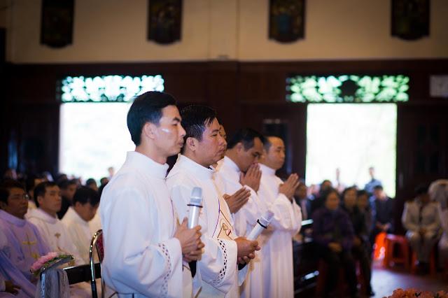 Lễ truyền chức Phó tế và Linh mục tại Giáo phận Lạng Sơn Cao Bằng 27.12.2017 - Ảnh minh hoạ 9