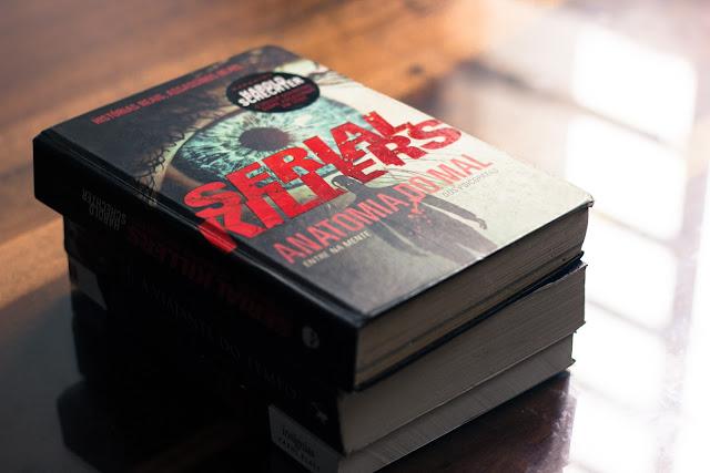 [Resenha] Serial Killers: Anatomia do Mal - Harold Schechter