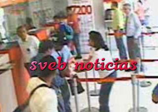Despojan a mujer de 100 mil pesos dentro de banco en Veracruz
