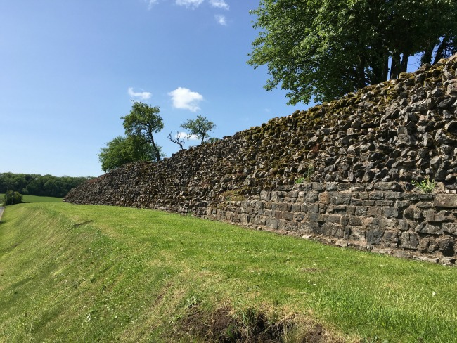 length of Roman wall