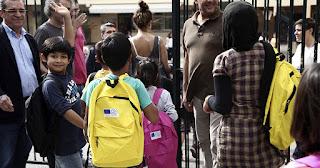 Ψήφισμα: Πρέπει τα παιδιά των προσφύγων να φοιτούν στα ελληνικά σχολεία;