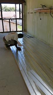 DM Projets posant le plancher chauffant Caleosol ECO+ à Lyon