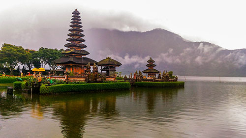 Ulun Danu Temple beratan lake bratan Bedugul, attractions, accommodation