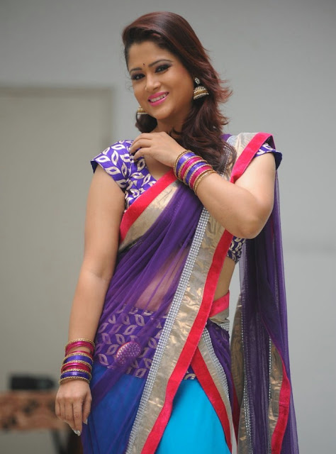 telugu_tv_anchor_shilpa_chakravarthy_photo_shoot_stills-www.chennaifans.blogspot.in+(14)